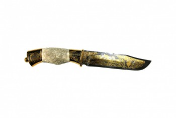 Нож сувенирный дамаск Тайга рукоять резная кость ножни из кожи/позолота - купить (заказать), узнать цену - Охотничий супермаркет Стрелец г. Екатеринбург